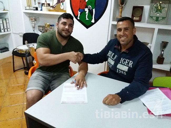 El luchador Miguel Hernández renueva por el C.L. Saladar de Jandía
