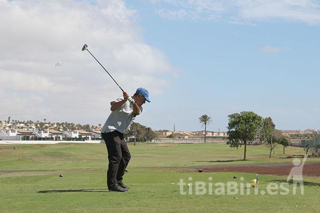 La Liga de golf Atefuer Fuerteventura continúa con el calendario y ayer 23 de abril se celebró la tercera jornada, y asimismo el TROFEO FUERTWAGEN AUDI.