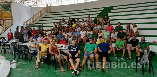"""La gran familia del Unión Antigua se puso """"en marcha"""" con un gran asadero"""