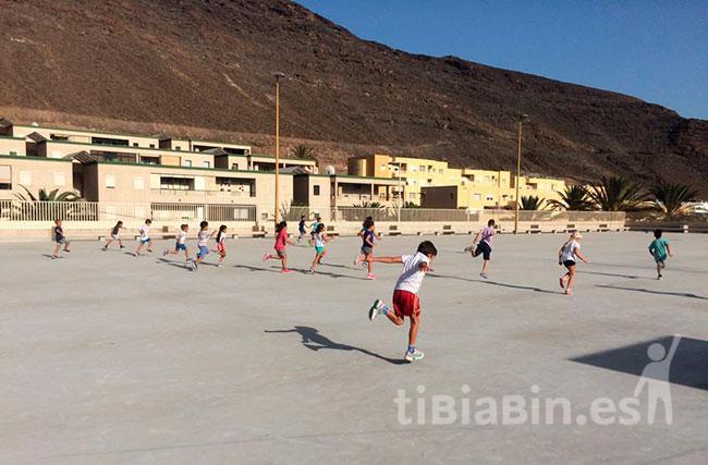 El ayuntamiento de Pájara y la EAMJ solicitan al Cabildo la instalación de un  módulo de atletismo en Morro Jable