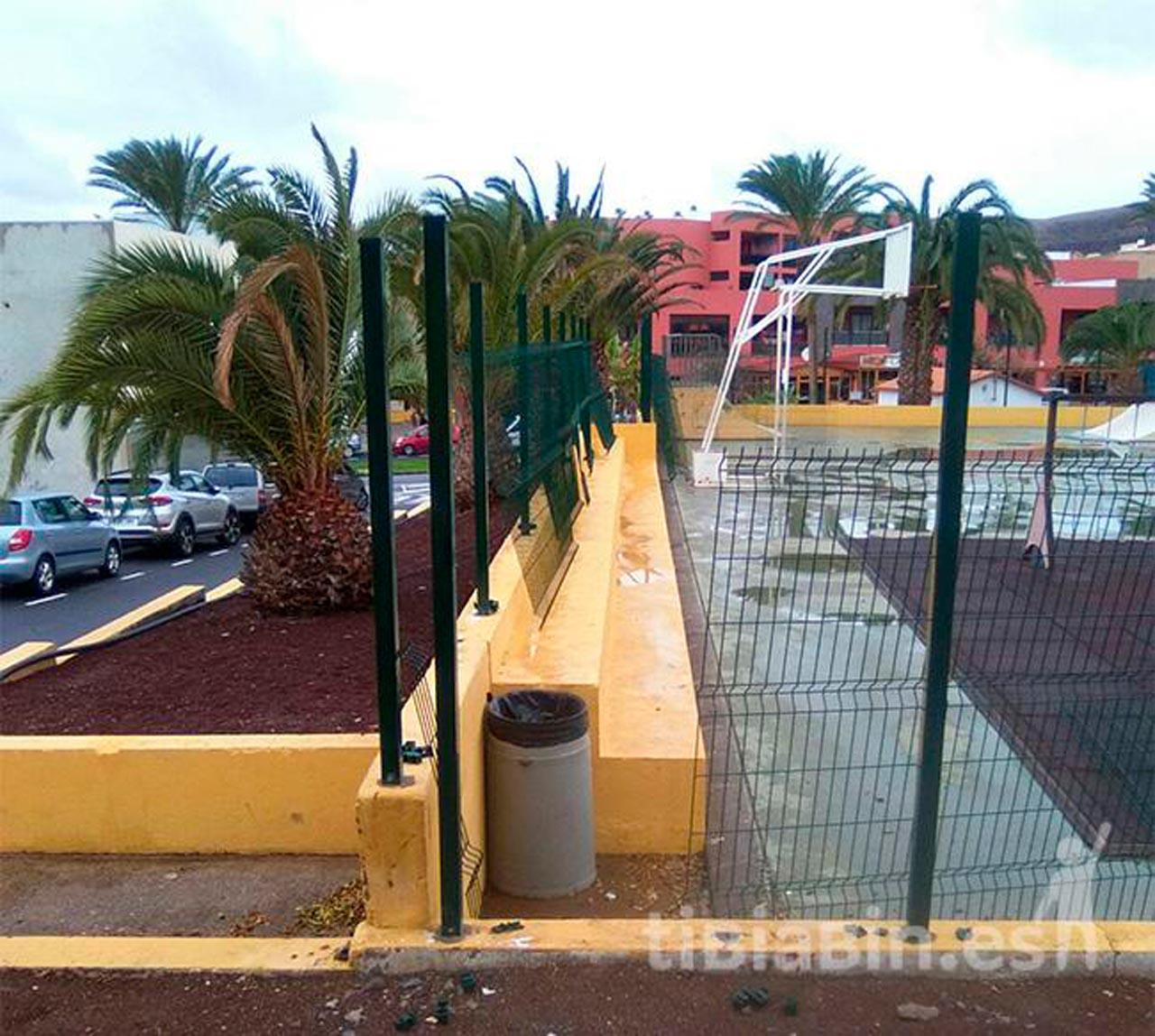 El Ayuntamiento de Pájara invierte más de 18.000 euros en acondicionar la Cancha Municipal de La Lajita